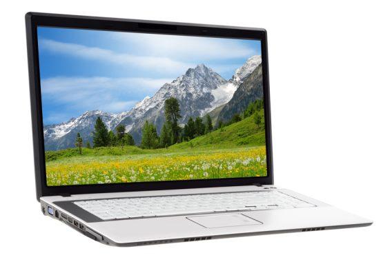 Berglandschaft auf Laptopbildschirm