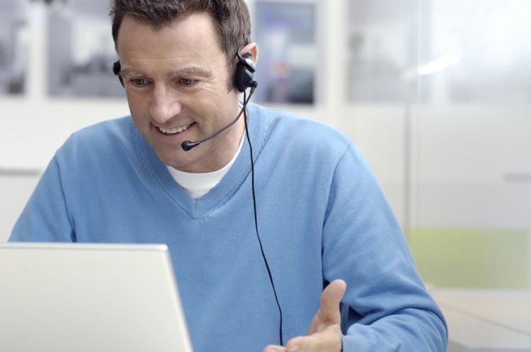 Hotline-Unterstützung bei Institut 2F durch erfahrenen Fachleute