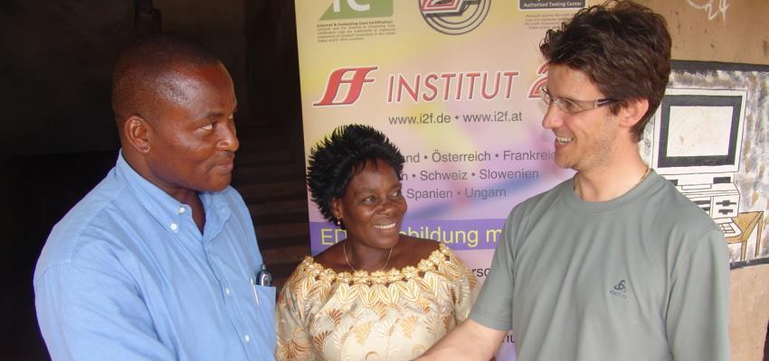 Bild: Betreuung unseres Partnerprojektes in Afrika
